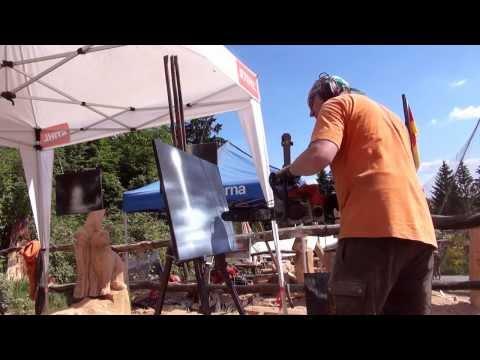 Bilder malen mit der Kettensäge – chainsaw painting