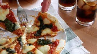 フライパンで焼くマルゲリータピザmargheritapizzawithoutoven