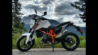 9. 2014 KTM Duke 690 Review