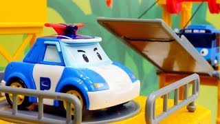 Vidéo de jouets voitures en français pour enfants sur la chaîne Ma Petite TV . Aujourd'hui l'équipe de #RobocarPoli et le bus #Tayo vont faire le #Déballage ...