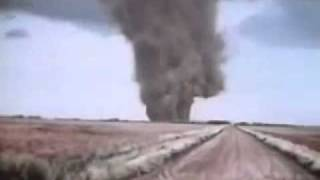 Download Lagu Great Bend, Kansas Tornado Footage 1974 Mp3