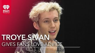 Video Troye Sivan Gives Fans Love Advice MP3, 3GP, MP4, WEBM, AVI, FLV Oktober 2018