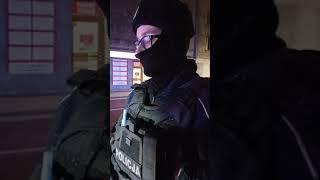 Policja nie chce się przedstawić, łamie zasady i wymyśla urojone przewinienia.