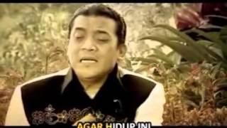 Download lagu Didi Kempot Feat Deddy Dores Mendung Tak Berati Mp3