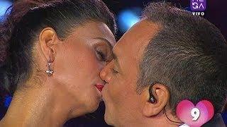 Pamela Díaz y Luis Jara volvieron a sorprender al público de Viva Dichato 2014 con una serie de 'piquitos'. Además los conductores de la tercera jornada del festival recordaron su candente beso del año pasado.