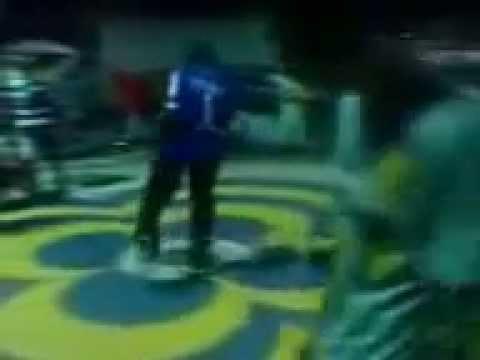 Ritmo Da Dança Vs ex-stally   BATALHA de hip hop em condado 1;parte
