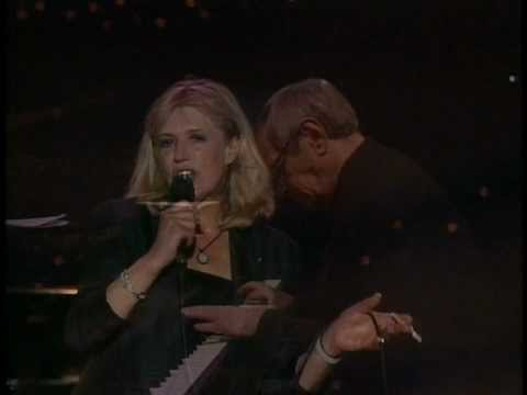 Marianne Faithfull - Boulevard of Broken Dreams lyrics
