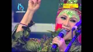 Video Ratu Dan Raja Dangdut Bertemu Kangen – Mawar Merah – Hj. Elvy Sukaesih di Soneta Group MP3, 3GP, MP4, WEBM, AVI, FLV November 2018