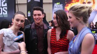 Nonton The Bling Ring Cast Talks Emma Watson at 2013 MTV Movie Awards! Film Subtitle Indonesia Streaming Movie Download