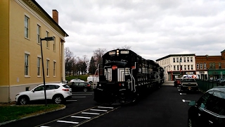 Canandaigua (NY) United States  city pictures gallery : Finger Lakes Railway Blows Through Main Street In Canandaigua, New York