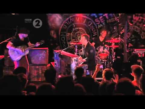 Coldplay - Christmas Lights (Radio 2 In Concert)