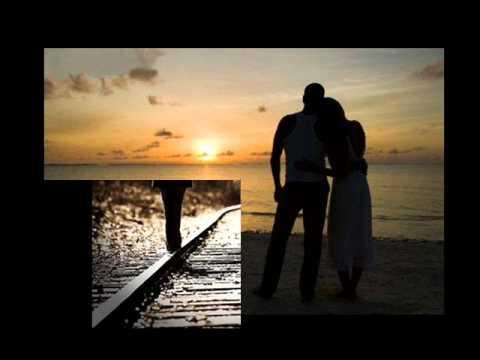 Yue Liang Dai Biao Wo De Xin ( The Moon Represents My Heart ) by Teresa Teng ( with lyric )
