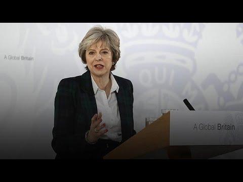 Η στρατηγική της Τερέζα Μέι για πλήρες Brexit