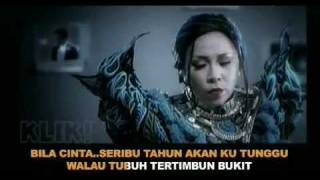 Melly Goeslaw Feat. Irwansyah - Love Story (with Lyrics)
