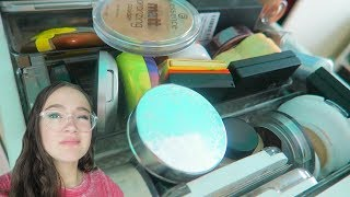 Subscribe so you don't miss a day! http://bit.ly/1Qd8qxk More and more decluttering my makeup. This time bronzers and powders!More ALL things Makeup:https://www.youtube.com/playlist?list=PLmOjH8FiuoKGhit2_i2cMsJARw9UskgdDMy new Fiona Frills website:http://fionafrills.com/frillianceIf you'd like to be the first to know when I get more limited edition inventory and launch new products, then you can join the Frilly Fam email list on my website. Frilliance Amazon Storefront  For my makeup tools & brushes that I love: http://amzn.to/2iMfSZd8TVI'm in love with a new app! 8TV. I make 45 sec videos of some of my favorite makeup products —  quick tips and why I like it. The cool part is the direct link to the product on Amazon to see it yourself. My channel: https://iam8.tv/iAm/FionaFrills. Download 8TV - where Snapchat meets QVC/Amazon - bit.ly/download-the-eight-app *not sponsored. These are my own opinions! YOUNOWhttp://www.younow.com/TheFionaFrillsI N S T A G R A Mhttp://www.instagram.com/fionafrillsT W I T T E Rhttp://www.twitter.com/fionafrillsS N A P C H A Tsnapchat @fionafrillsP I N T E R E S Thttps://www.pinterest.com/ThefionafrillsY O U T U B Ehttps://www.youtube.com/fionafrillshttps://www.youtube.com/channel/UCHc9T7DtK1yTrZwa4K6P3SAFACEBOOKhttps://www.facebook.com/fionafrillsLove you to the moon and back!FionaAll Things MakeupThis is where All Things Makeup happens -- makeup tutorials, Get Ready With Me's (GRWM), makeup reviews and first impressions. And all my makeup favorites!FionaFrills VlogsLiving Out Loud Vlog is now FionaFrills Vlogs! I am still living it out loud and sharing my journey through life with all of you in this teen vlog. Posting just about every day, you'll see me travel between LA and the Bay Area; behind the scenes for my FionaFrills YouTube channel and auditions; daily hiccups in my life; going on hikes and outdoor adventures and travel; shopping; cooking; exercising; taking care of my pets and so much more. Subscribe and join me in this thing called LIFE.