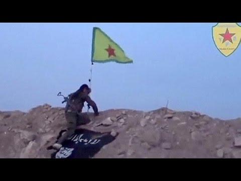 Kobani sokaklarında sevinç gösterileri