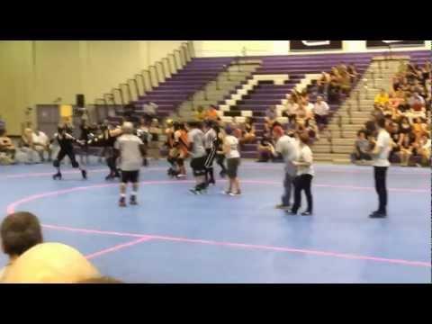 Em Dash of the Manhattan Mayhem (видео)