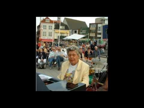 Video Pia Beck in Noordwijk 25 8 2002 download in MP3, 3GP, MP4, WEBM, AVI, FLV January 2017