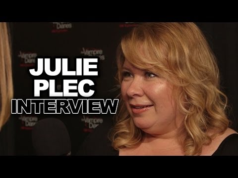 Diaries - For more ClevverTV shows ▻▻ http://ow.ly/ktrcX Dana Ward chatted with Julie Plec about what's in store for the 100th episode of
