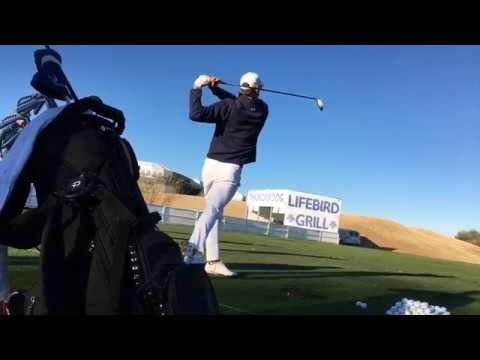 Michael Phelps practica en TPC Scottsdale