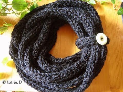 Finger Knitted Scarf ….Schal stricken mit den Fingern