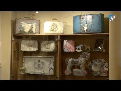 В ДКМ «ГОРОД» открылась выставка отреставрированных старых вещей