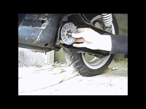 comment demonter variateur scooter