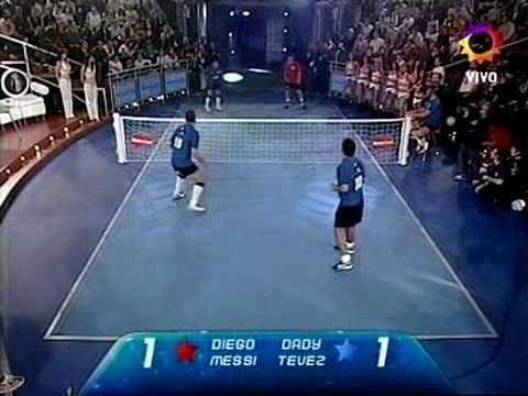 maradona & messi vs tevez & dady (guardate che succede)