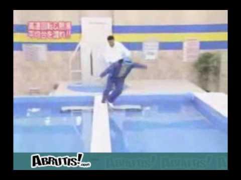 Bloopers - Stupid people doing stupid things