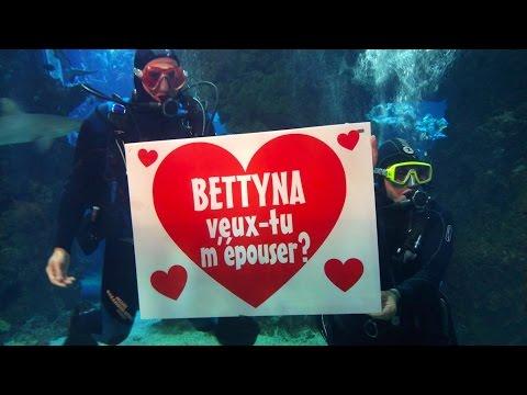 Demande en mariage devant les requins !