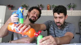 #IRMÃOS MATIAS - Fazendo detergente para bolhas - Pistola de bolhas Galinha Pintadinha