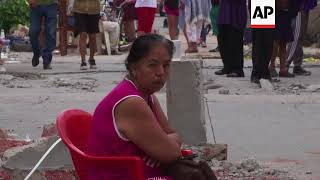 Video Locals survey damage near Mexico quake's epicentre MP3, 3GP, MP4, WEBM, AVI, FLV Oktober 2017