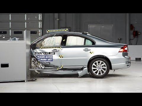 Volvo S80 2014 Volvo S80 small overlap IIHS crash test