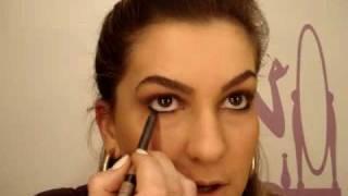 Maquiagem azul para o dia-a-dia por Alice Salazar - Parte 1