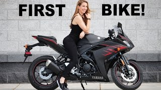 2. Girlfriends First Motorcycle! 2017 Yamaha R3