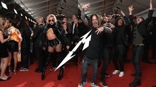 Download Lagu Lady Gaga and Korn stuns to Metallica on the red carpet at the Grammys 2017 Mp3