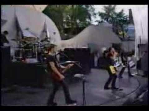 Filter - Hey Man Nice shot (Live) online metal music video by FILTER