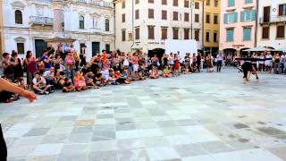 Udine Italy  city photo : Udine, Italy Busker Festival 2012- Showtime! - The Flying Tortillas