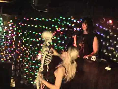 Alice Cooper: Hell Is Living Without You Live Performance By: Dragontowndan