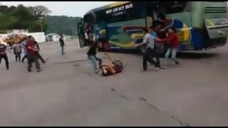 Video sopir bus vs sopir truk MP3, 3GP, MP4, WEBM, AVI, FLV Oktober 2017