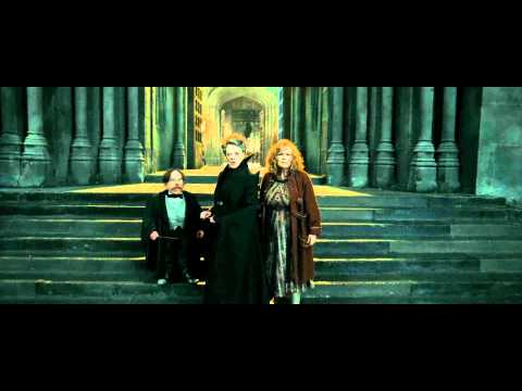 Harry Potter and the Deathly Hallows - Part 2 (Protecting Hogwarts Scene - HD)