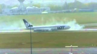 Boeing 767 Emergency Landing Warsaw 2011