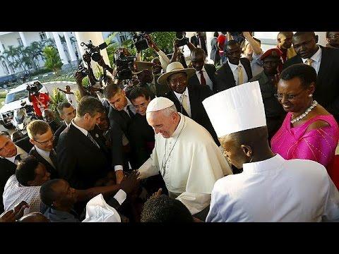 Ουγκάντα: Πύρινο κήρυγμα Ποντίφικα κατά πλουσίων και ισχυρών