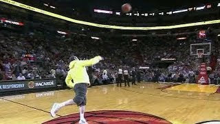 Video NBA Fans Making Half Court Shots For Money/Cars Compilation MP3, 3GP, MP4, WEBM, AVI, FLV Oktober 2018