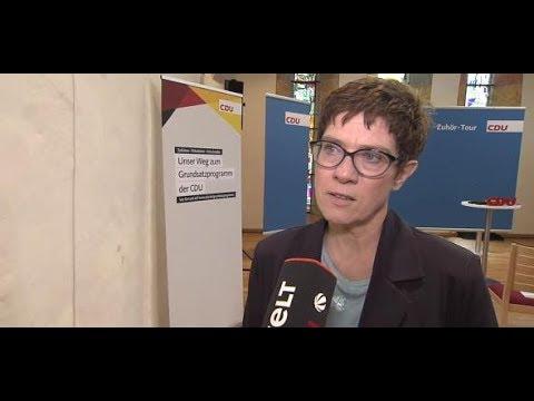 """""""MACHT EINFACH FASSUNGSLOS"""": Kramp-Karrenbauer zu Gau ..."""