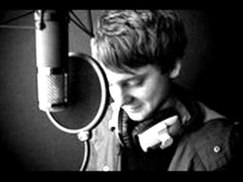 Tekst piosenki Conor Maynard - E.T (cover) po polsku