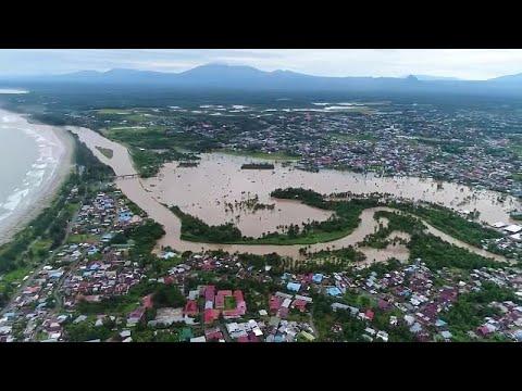Φονικές πλημμύρες στην Ινδονησία-Προειδοποίηση για νέες βροχοπτώσεις…
