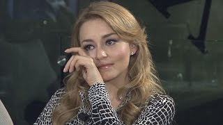 En lo que no vio en la entrevista exclusiva de Sal y Pimienta, la actriz se desahogó y no pudo contener el llanto. Para ver más...