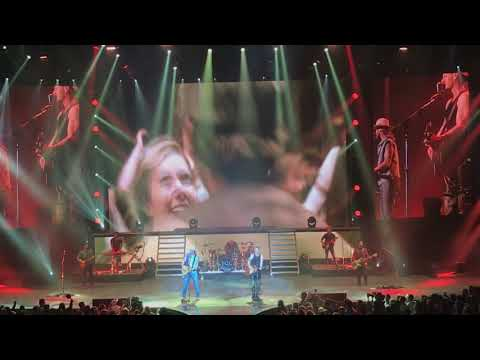 Video Florida Georgia Line - Simple - Live at the Zappos Theater in Las Vegas download in MP3, 3GP, MP4, WEBM, AVI, FLV January 2017