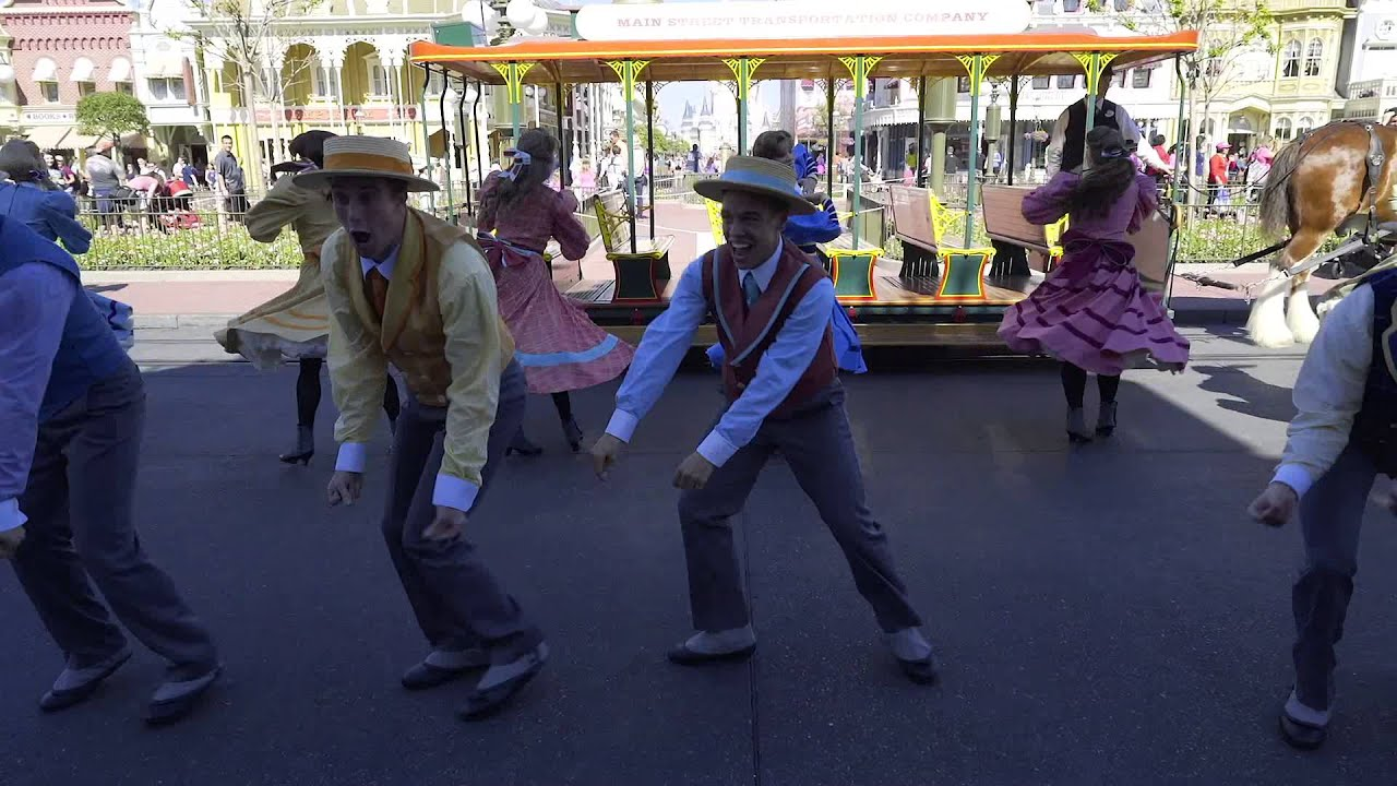 Main Street Trolley Show winter edition